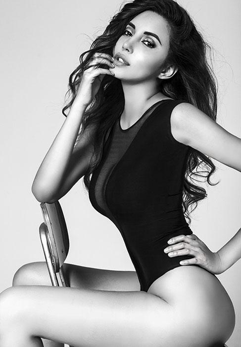 Monica female model 13
