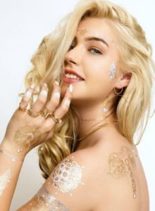 Tiffany model